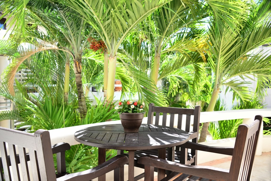 Blue Palms 208 - 1 bedroom condo very close to the beach!